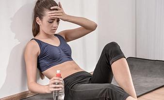 Почему болит голова после тренировки